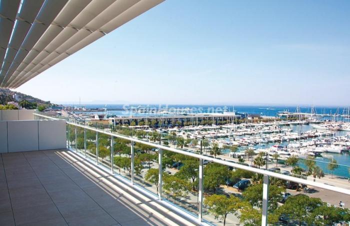 Vistas al puerto deportivo de Roses