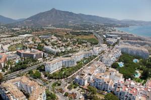puertobanus marbella3 300x200 - El precio de la vivienda en la costa mediterránea sube un 2,8% interanual, según Tinsa