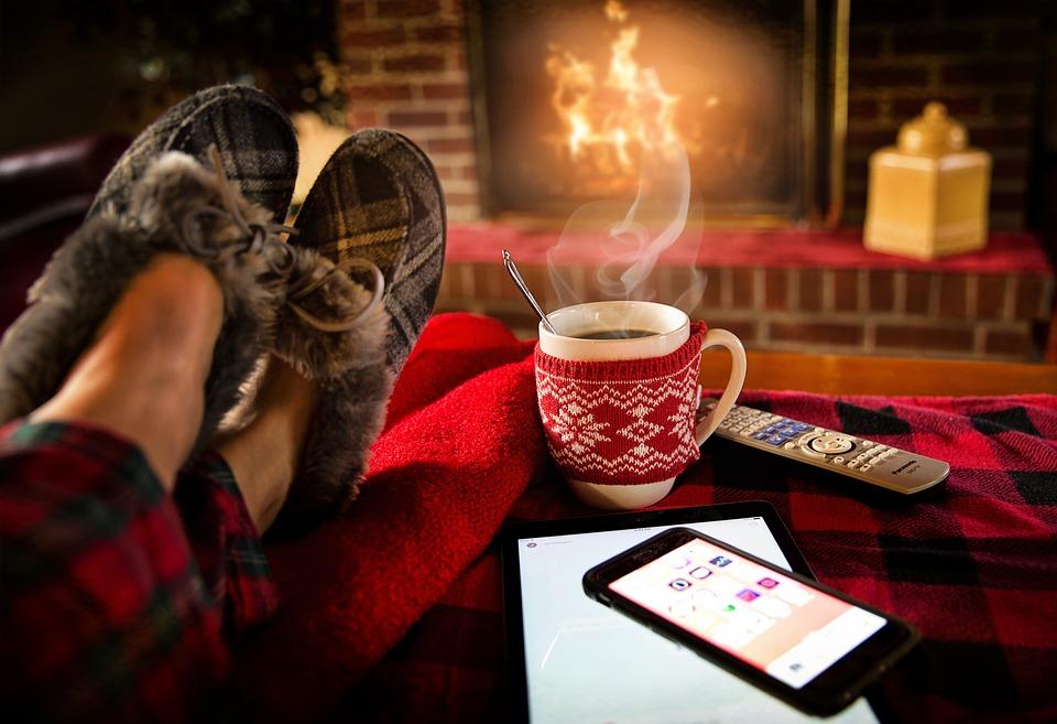 relaxing 1979674 960 720 1 - Calefacción en el hogar: Tips para optimizar su uso
