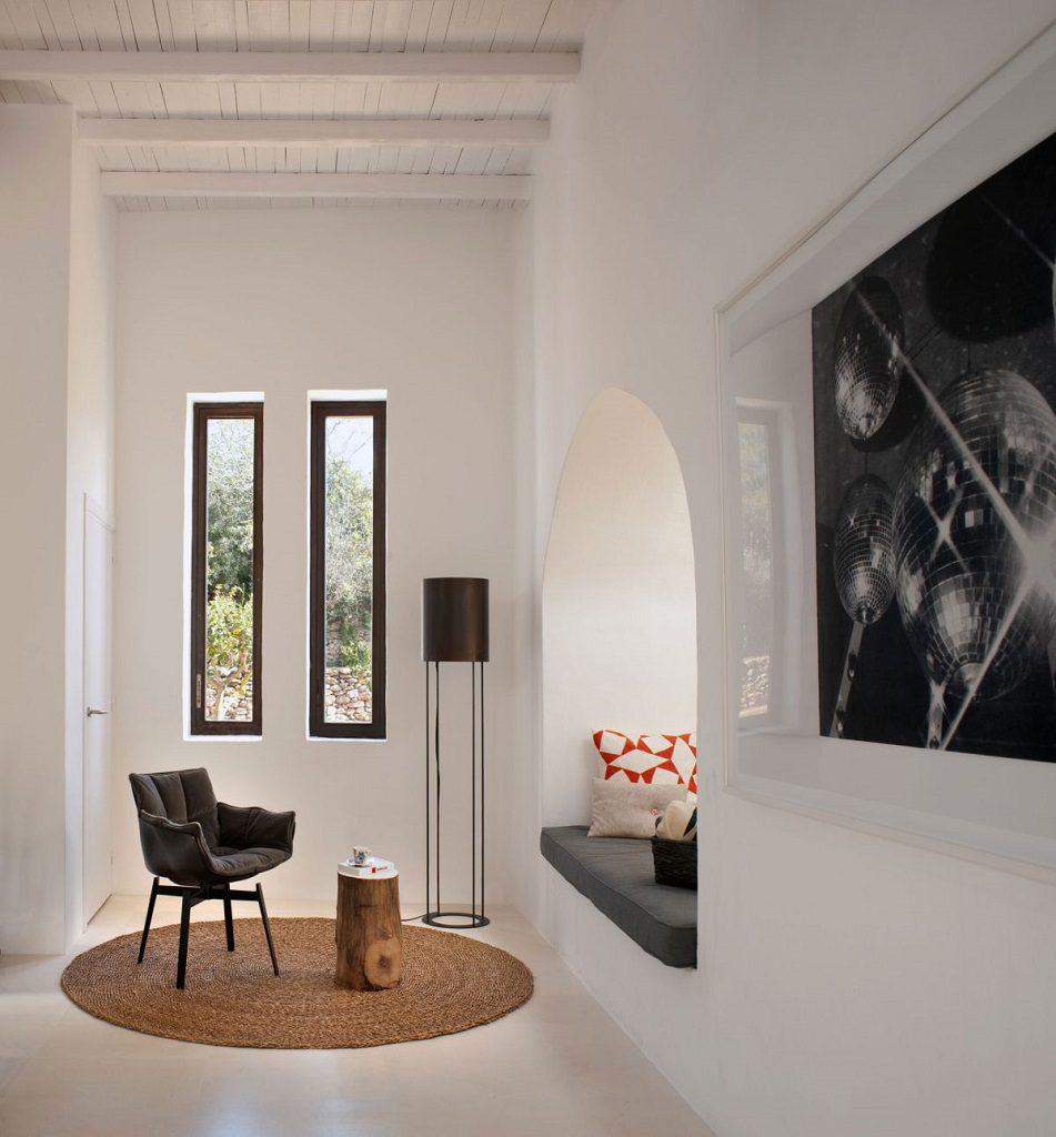 rincon relax1 951x1024 - Casa rústica y moderna en Ibiza (Baleares): diseño mediterráneo que enamora