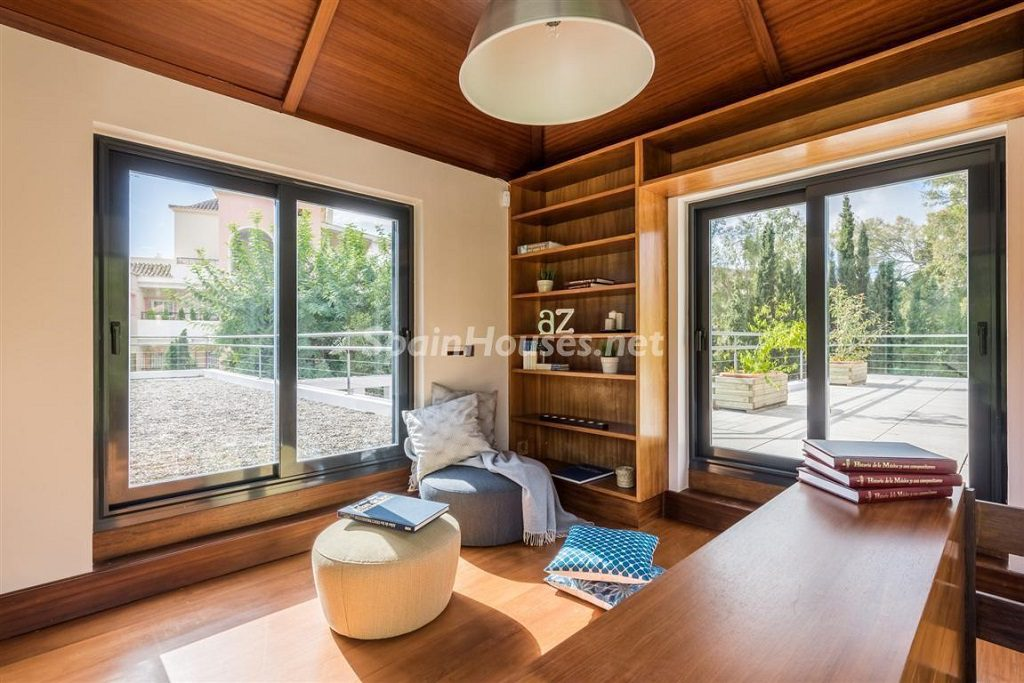 rincondelectura 1024x683 - Fantástica villa escondida entre los campos de golf de Nueva Andalucía, Marbella (Málaga)