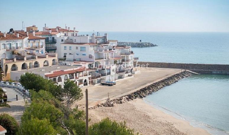 rodadebara tarragona - Luminoso apartamento en primera línea de mar en Roda de Barà (Costa Dorada, Tarragona)