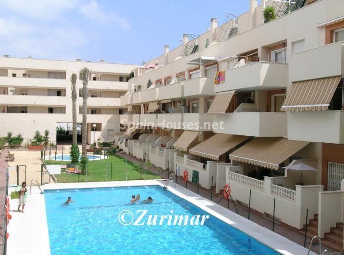 roquetasdemar - 15 bonitos pisos de 3 dormitorios con jardines y piscina por menos de 150.000 euros