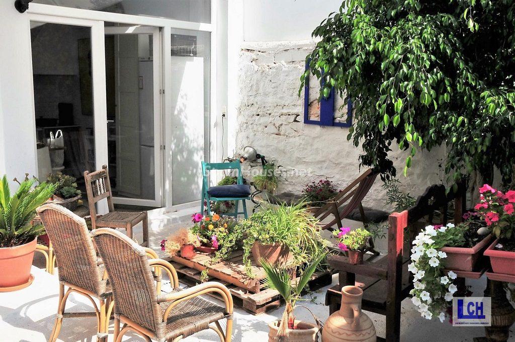 sagunto valencia 1024x680 - Patios y rincones con sabor mediterráneo: espacios de luz y primavera