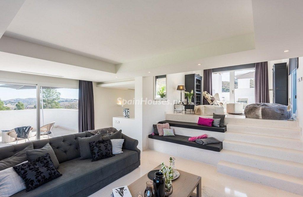 saladeestar 8 1024x665 - Espacios de luz, sol y diseño en una moderna casa en Mijas Costa (Málaga)