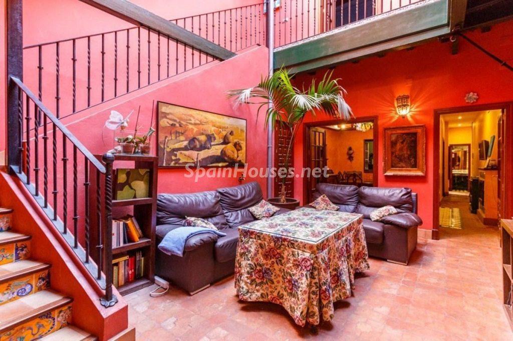 saladeestar 9 1024x682 - Color tierras florentinas y sabor urbano en una casa en el Casco Antiguo de Sevilla