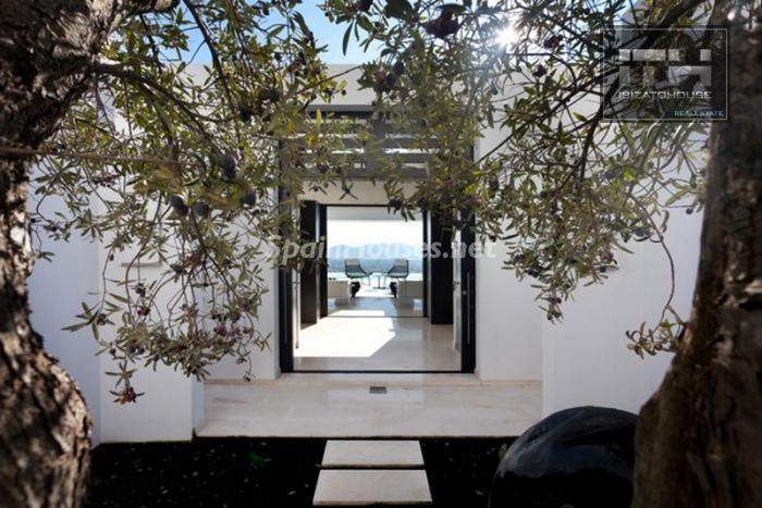 salida terraza - Casa de la Semana: Espectacular villa de lujo en Ibiza (Baleares), la isla de los sueños