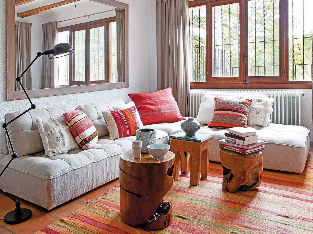 salon 10 1024x768 - Fantástica casa luminosa y natural en Jávea (Costa Blanca), llena de color y toques étnicos