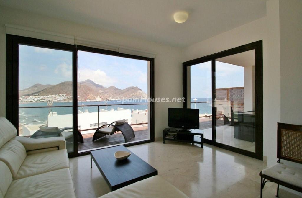 salon 13 1024x671 - Coqueto chalet a estrenar con bonitas vistas al mar en San José (Cabo de Gata, Almería)