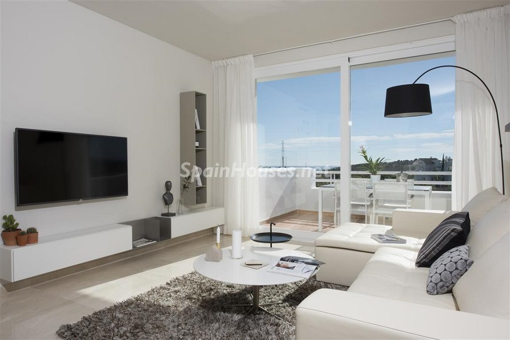 salon 21 1024x683 - Crystal Lagoons, Casares (Málaga): Apartamentos en 1ª línea de playa, a 10 km del mar