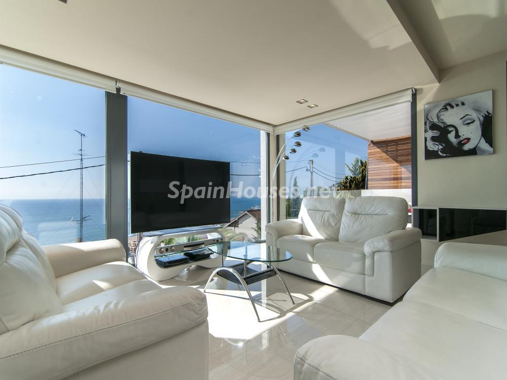 salon 25 - Casa minimalista transparente, diáfana y abierta al mar en Castelldefels (Barcelona)