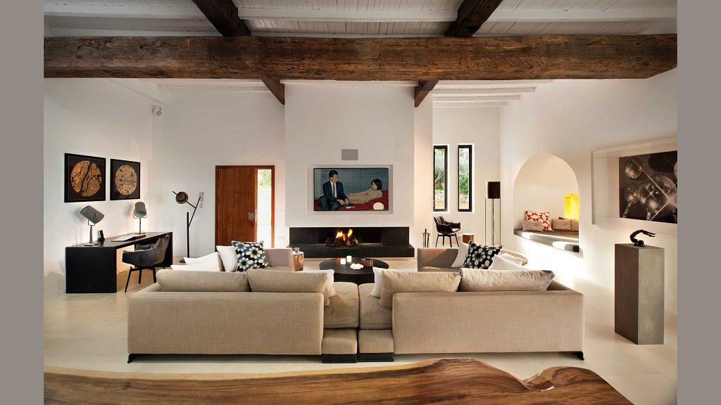 salon 52 1024x576 - Casa rústica y moderna en Ibiza (Baleares): diseño mediterráneo que enamora