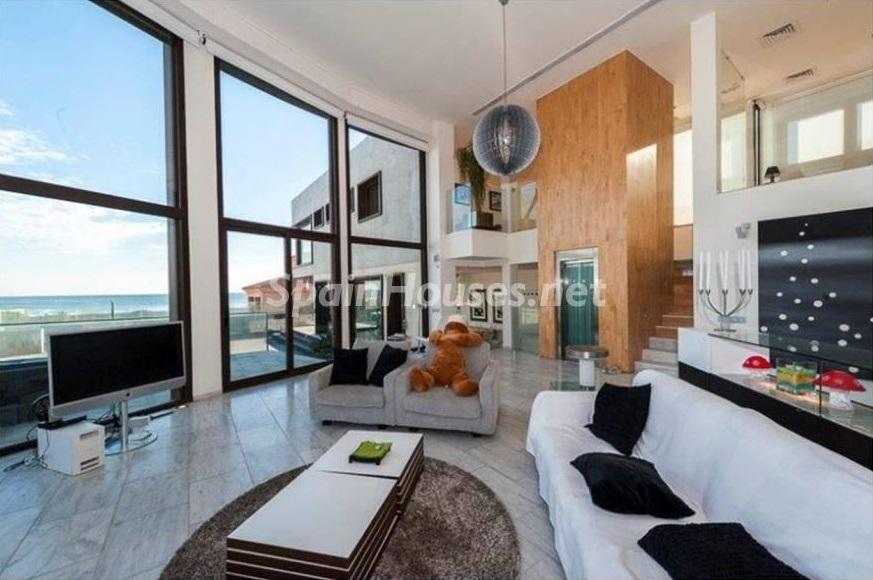 salon 7 - Lujo entre dos mares: Casa en primerísima línea de playa en La Manga del Mar Menor (Murcia)
