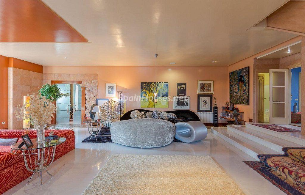 salon ambientediseño1 1024x656 - Lujosa serenidad clásica en una espectacular casa en Las Palmas de Gran Canaria