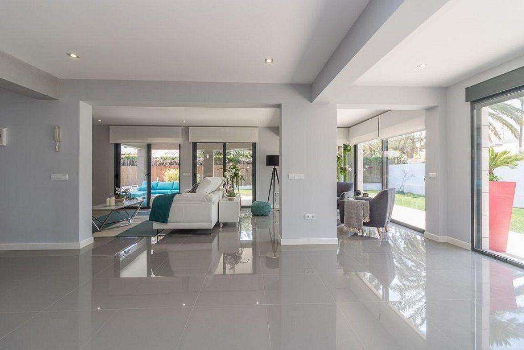 salon amplitud 1024x683 - Preciosa casa de diseño en Orihuela Costa (Costa Blanca), en 2ª línea de playa