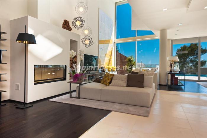 salon atardecer - Preciosos apartamentos de diseño contemporáneo en Sierra Blanca, Marbella