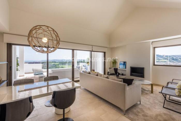 """salon casares1 - Espectacular terraza de sol, bonito ambiente """"chill out"""" y vistas al mar en Casares (Málaga)"""