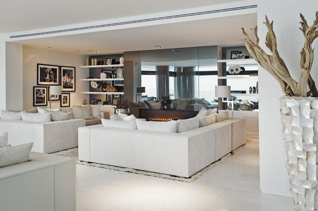 salon chimenea 2 1024x682 - Altea Hills: Villas de diseño mediterráneo con vistas al mar en Costa Blanca (Alicante)