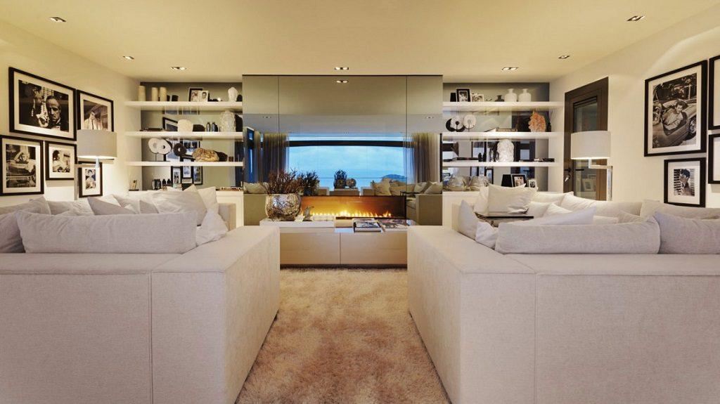salon chimenea2 1024x575 - Altea Hills: Villas de diseño mediterráneo con vistas al mar en Costa Blanca (Alicante)
