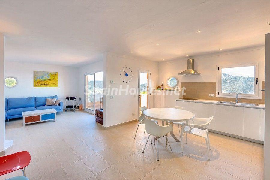 salon cocina 4 - Terraza de sol y geniales vistas al mar en Puerto de Andratx, Mallorca (Baleares)