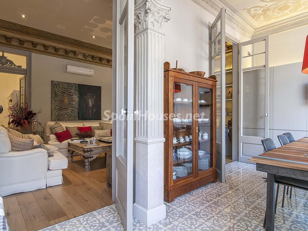 salon comedor 3 1024x768 - Piso modernista en el Eixample (Barcelona): fusión espectacular de luz y elegancia