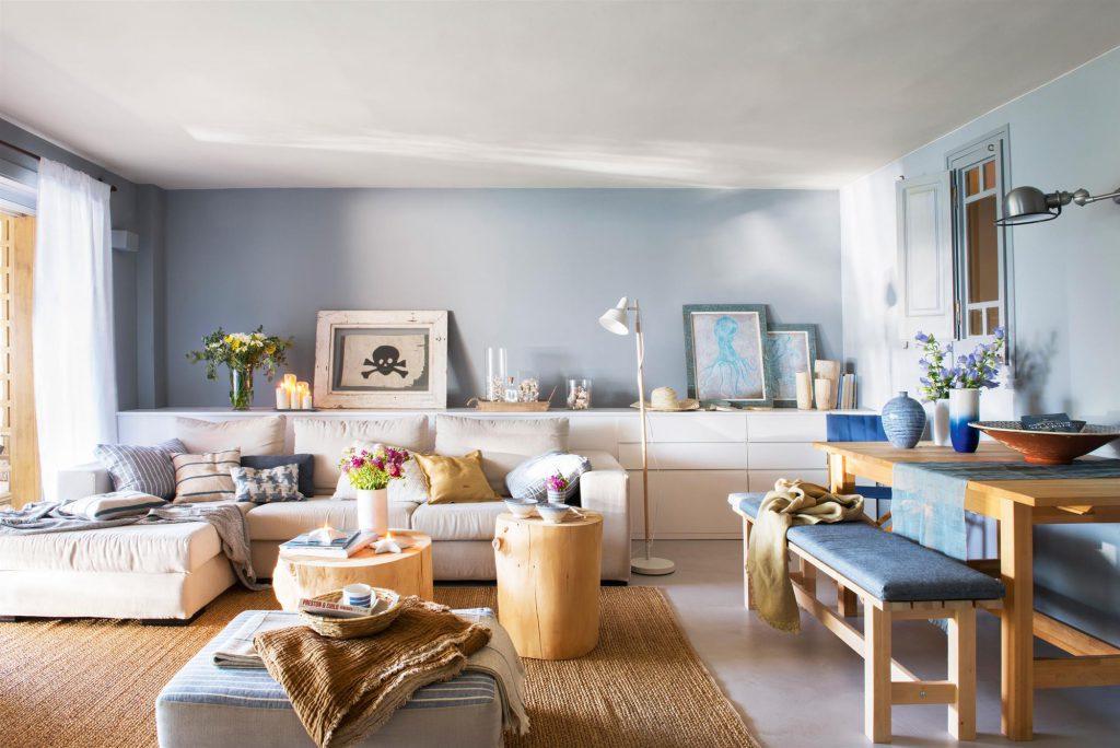 salon en tonos azules f4e65a28 1024x684 - Tips para decorar tu primer piso