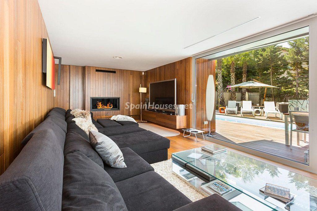 salon espaciosabiertos 1024x682 - Chalet en la Sierra de Collserola (Barcelona): lujo y diseño para disfrutar