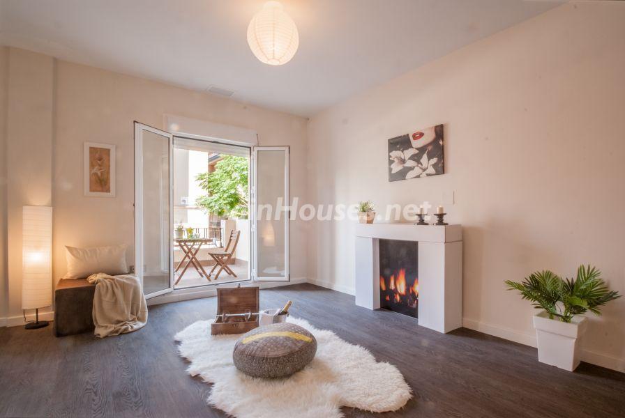salon terraza 2 - Home Staging de detalles cálidos en un bonito piso reformado en Cádiz capital