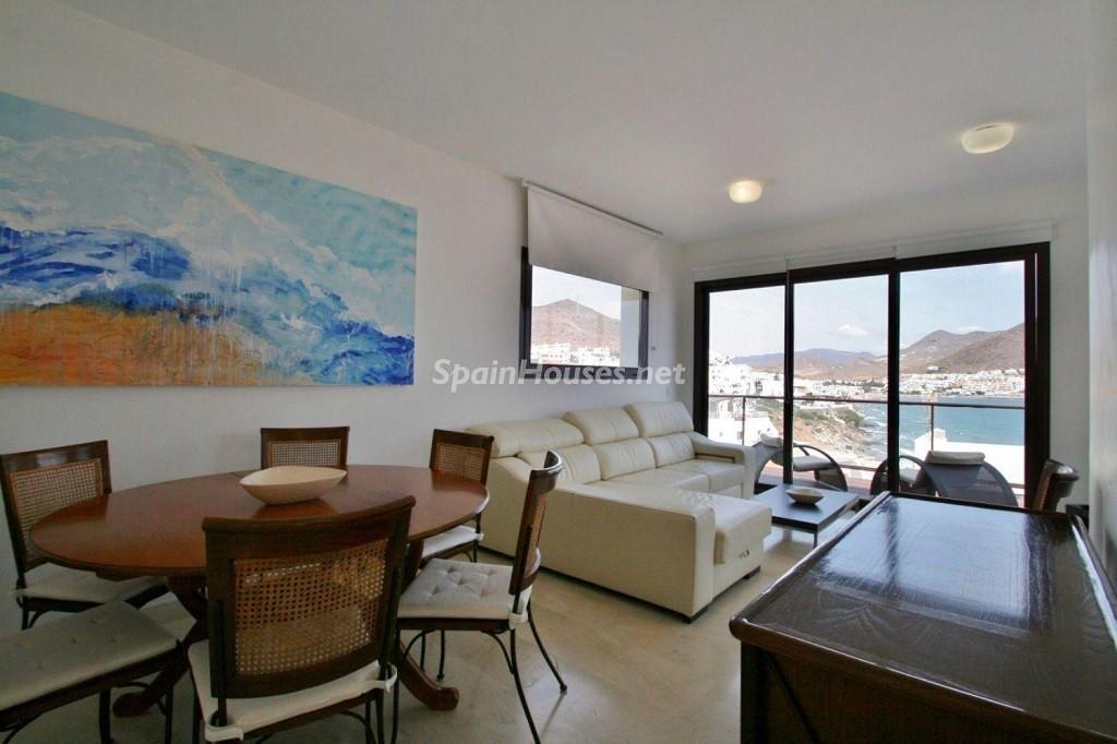 salon vistas 1024x682 - Coqueto chalet a estrenar con bonitas vistas al mar en San José (Cabo de Gata, Almería)