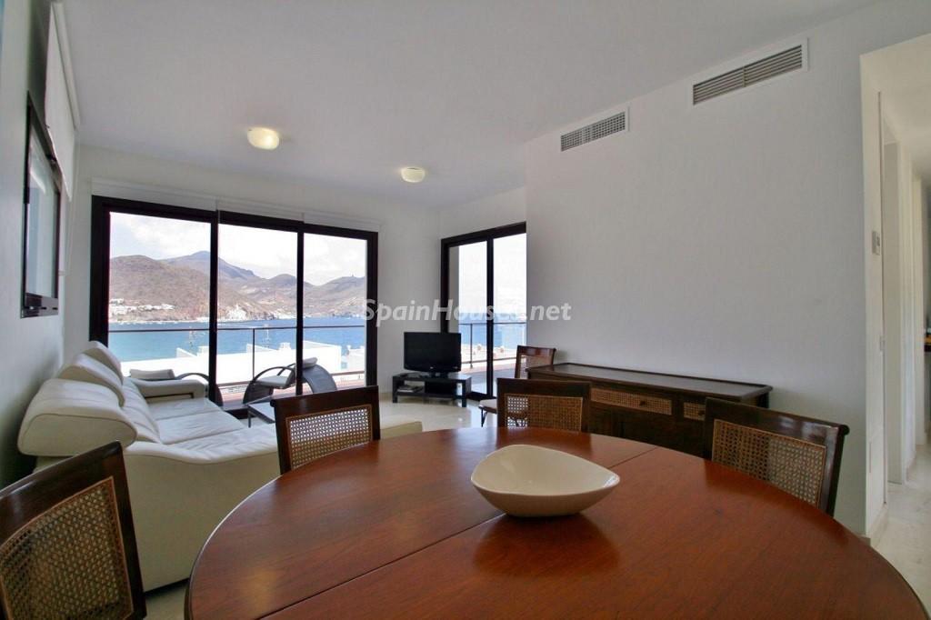 salon1 11 1024x682 - Coqueto chalet a estrenar con bonitas vistas al mar en San José (Cabo de Gata, Almería)