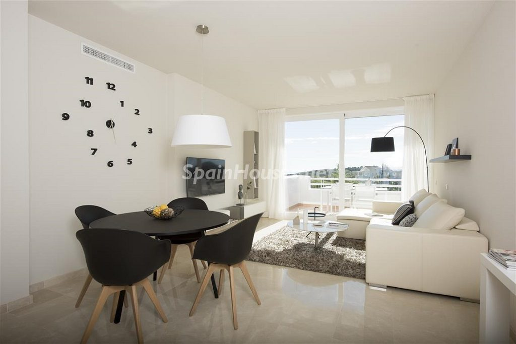 salon1 17 1024x683 - Crystal Lagoons, Casares (Málaga): Apartamentos en 1ª línea de playa, a 10 km del mar