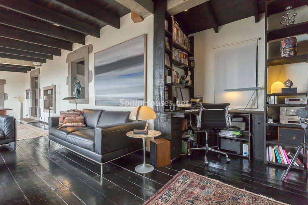 salon1 22 1024x682 - Elegante y sereno toque otoñal en una bonita casa en Tafira, Las Palmas de Gran Canaria
