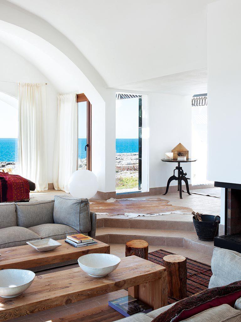 salon1 25 768x1024 - Un precioso de refugio otoñal en una casa llena de luz en Menorca (Baleares)