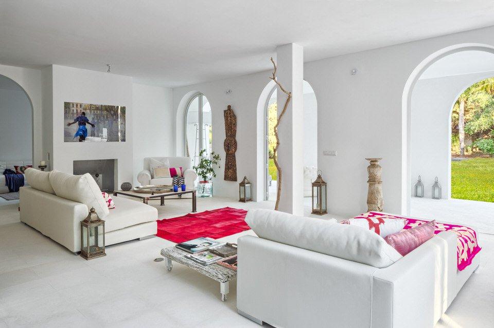 salon1 38 - Serenidad minimalista y mediterránea en una genial casa en Sotogrande (Cádiz)
