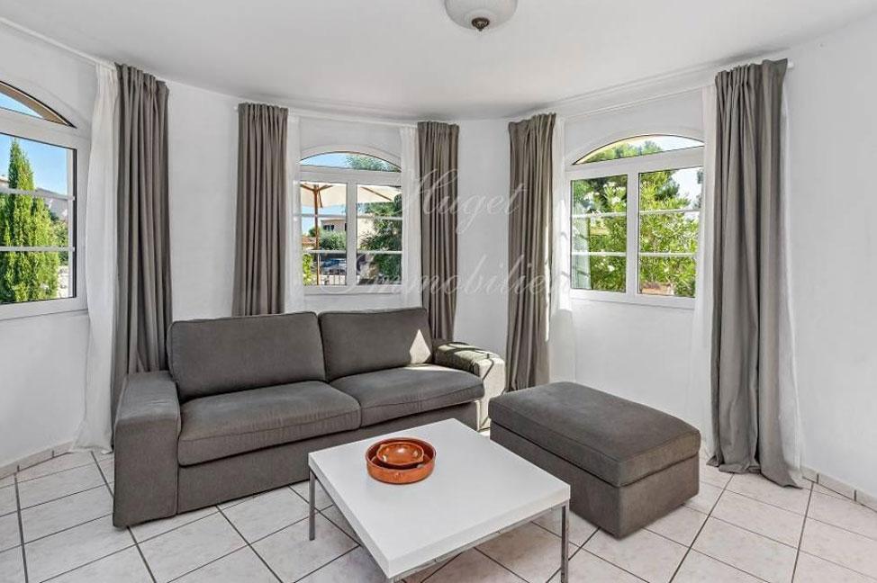 salon1 48 - Maravillosa villa de estilo mallorquín: gran privacidad junto a la costa