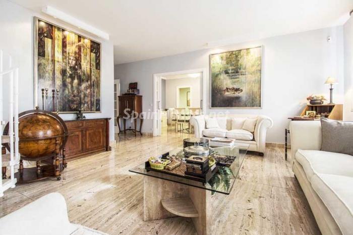 salon1 9 - Elegante, amplio y luminoso ático con vistas a todo el skyline de Madrid en Chamartín