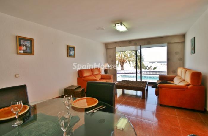 salon104 - Gran chalet de 6 dormitorios con vistas a la Isla de San Andrés, Carboneras (Almería)
