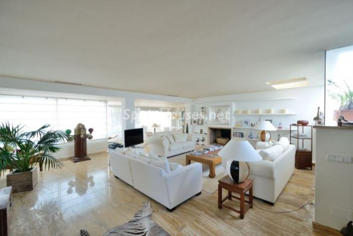 salon112 - Casa de la Semana: Precioso ático de lujo en Marina Botafoch, Ibiza