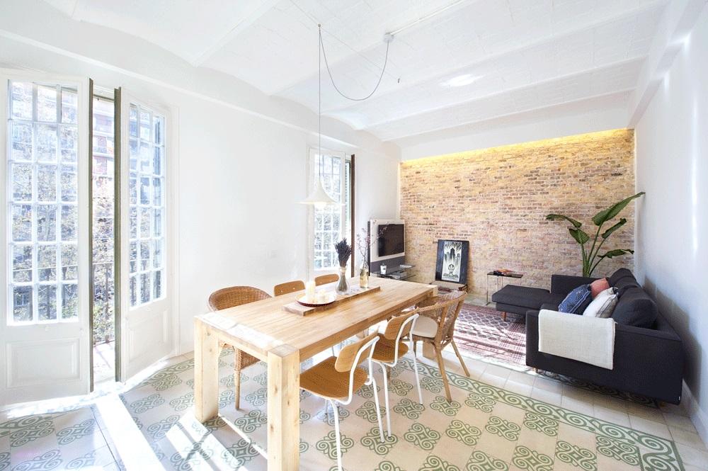 salon131 - 75 metros de elegante armonía, amplitud y luz en un apartamento de Barcelona