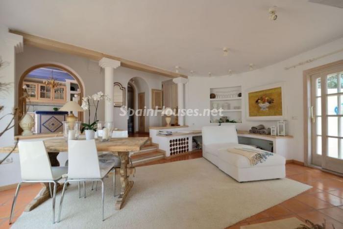 salon134 - Serena y romántica villa en primera línea de mar en Cala Vadella, Ibiza
