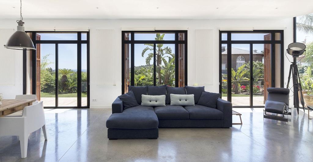 salon137 - Fantástica casa llena de luz y elegante sencillez en Badalona (Barcelona)