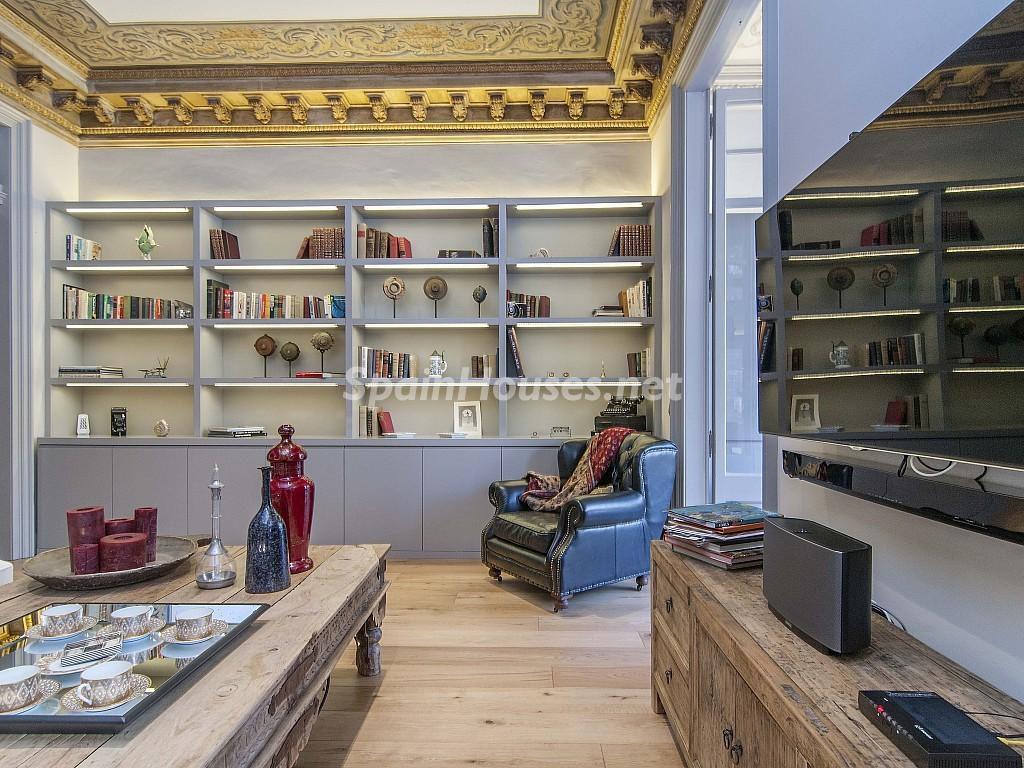 salon2 10 1024x768 - Piso modernista en el Eixample (Barcelona): fusión espectacular de luz y elegancia