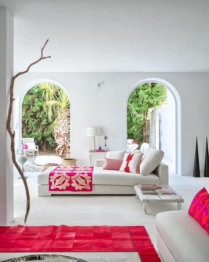 salon2 21 - Serenidad minimalista y mediterránea en una genial casa en Sotogrande (Cádiz)