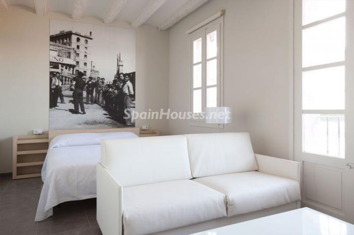 salon24 - Casa de la semana: Coqueto estudio lleno de luz en la playa de la Barceloneta, Barcelona
