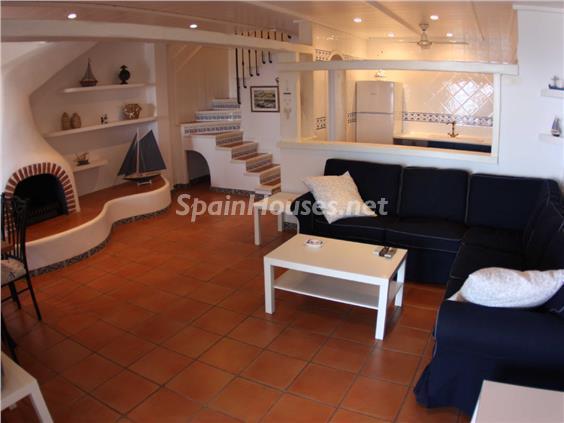 salon28 - Casa de la Semana: Bonito adosado en primera línea de mar en Cala Crancs, Salou (Tarragona)
