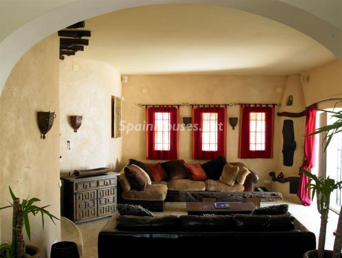 salon29 - Casa de la Semana: Fantástica villa de lujo con estilo y diseño ibicenco
