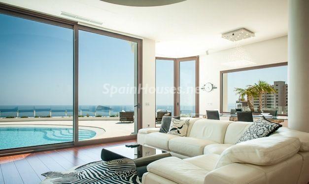 salon3 - Casa de la Semana: Espectacular villa de diseño en Benidorm, Costa Blanca