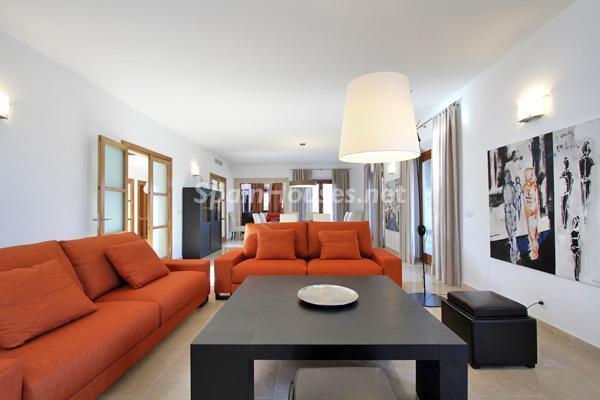 salon38 - Vacaciones de lujo en una espectacular villa en Pollensa, Mallorca