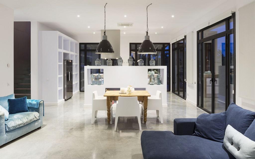 salon77 - Fantástica casa llena de luz y elegante sencillez en Badalona (Barcelona)