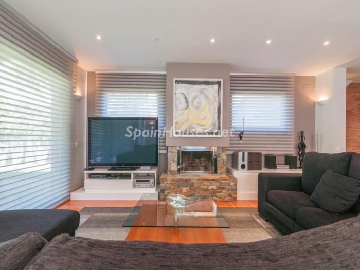 salon83 - Fusión de ambientes en una elegante casa en Castelldefels (Barcelona)